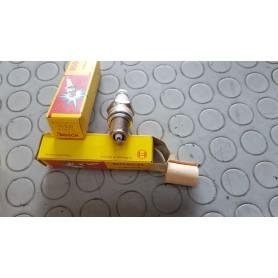 CANDELA W5D BOSCH 0241245040 CASSA 85/A 8 PACCHI DA 10 DISPONIBILI